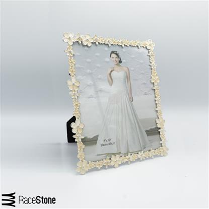 Picture of White flower frame